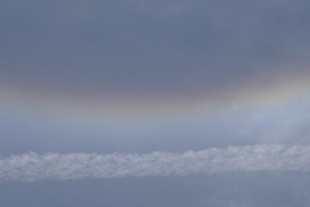 日暈と飛行機雲