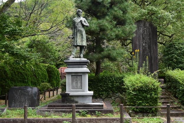田邊朔郎博士像