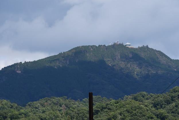 錦林車庫付近からの比叡山
