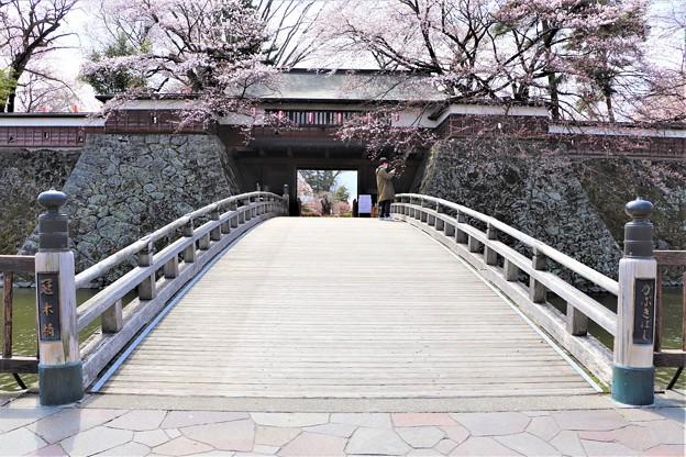 冠木橋と冠木門