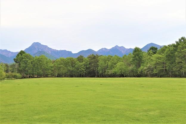 八ヶ岳と芝生広場