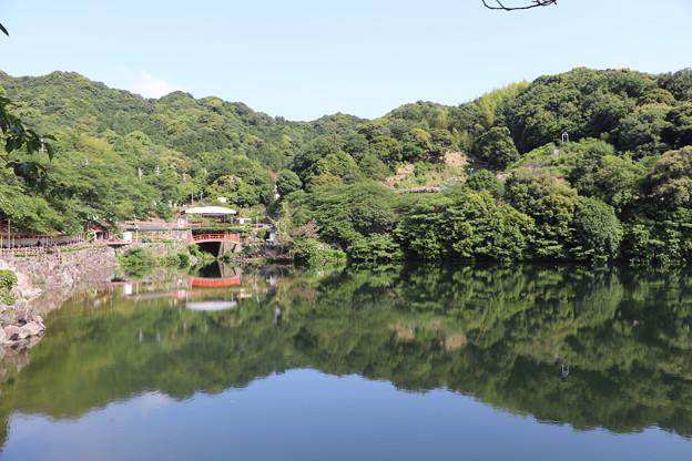 補陀ヶ池の水鏡