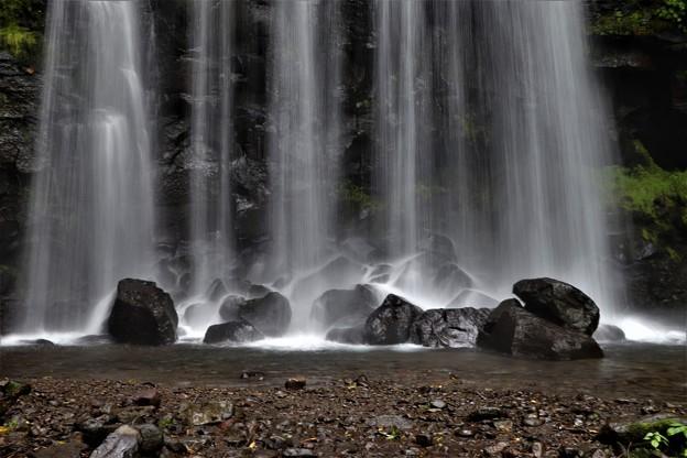 直瀑で滝壺は無し