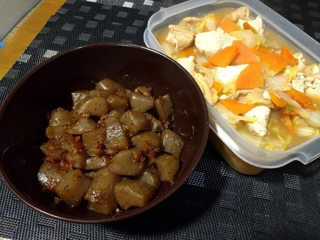 Photos: 雷こんにゃく&白菜と厚揚げの煮物