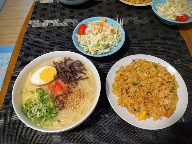 Photos: とんこつラーメンと半炒飯
