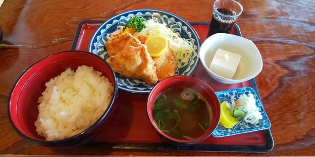 本宮市のガーデン金丸さんにて唐揚げ定食をいただく 美味しゅうございました