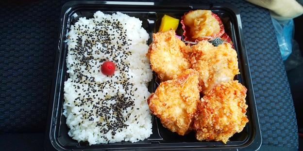 福島市のJapanese Noodle ZENさん隣のからあげ屋さんにてからあげ弁当