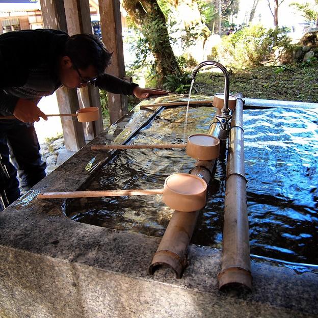 姫蕎麦ゆかり庵は神社が蕎麦屋さん そこの手水(ちょうず)