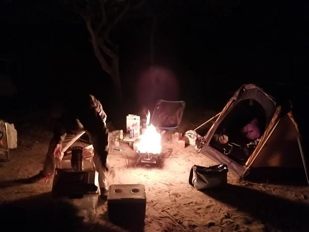 キャンプ場! ファイヤ!