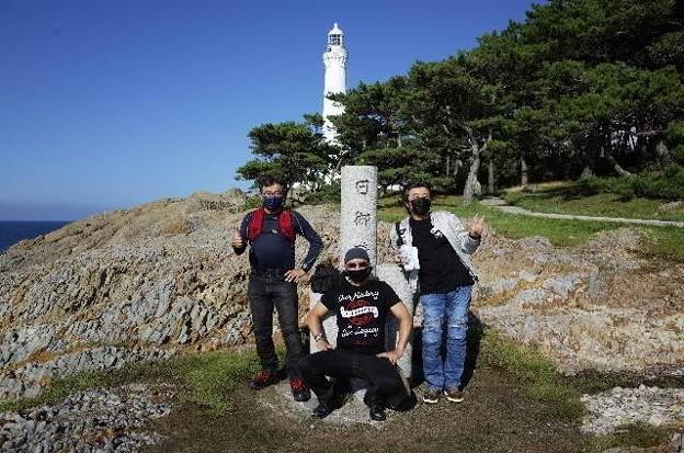 日御碕灯台 海岸側でスリーショット