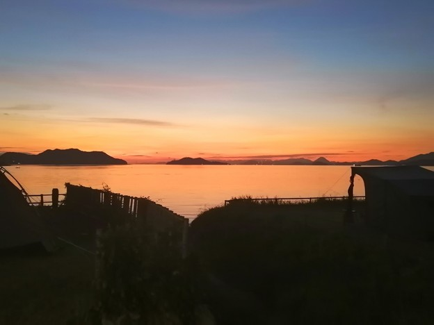 夕暮れの海 キャンプ場から
