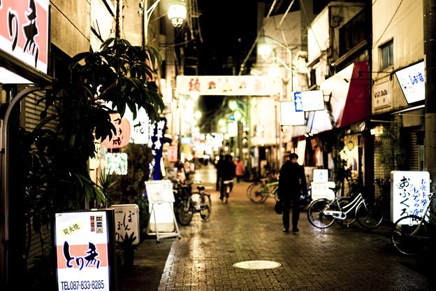 夜の高松市 繁華街 資料映像