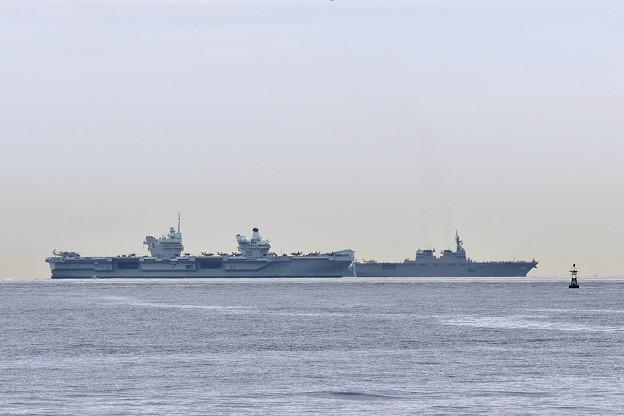 英海軍空母クイーンエリザベス&護衛艦「いせ」