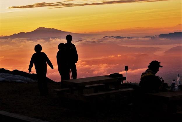 山小屋の朝