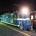 デキ102単機とパレオエクスプレス用12系客車の並び