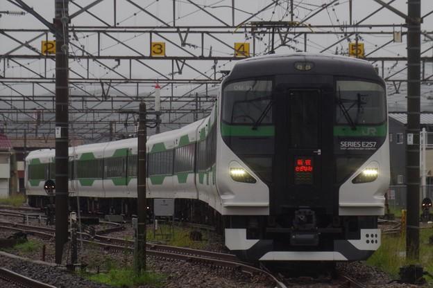 館山駅電留線から出てきたE257系5000番代