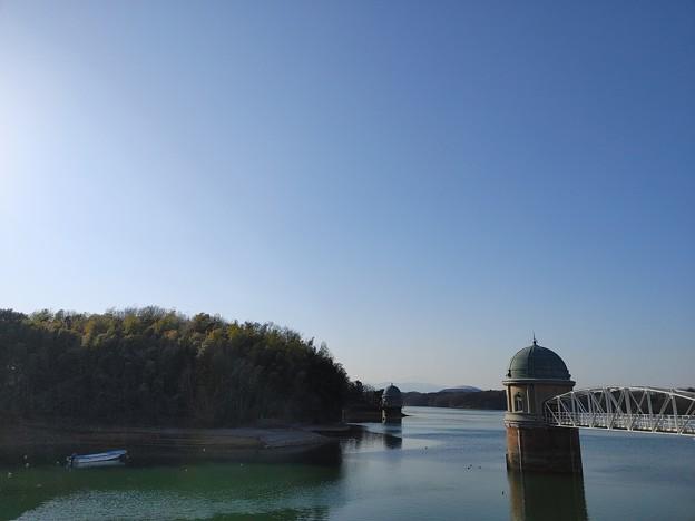 水取塔とドーム