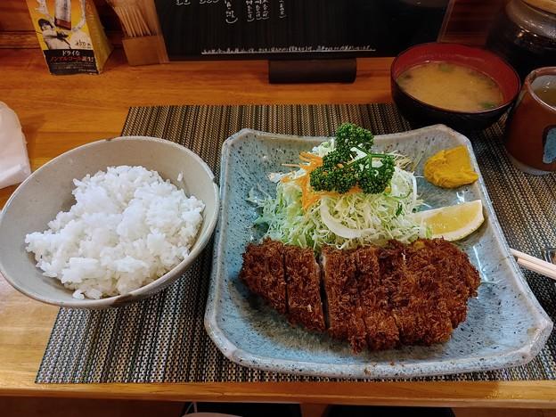 Photos: ロースとんかつ定食@かつ善