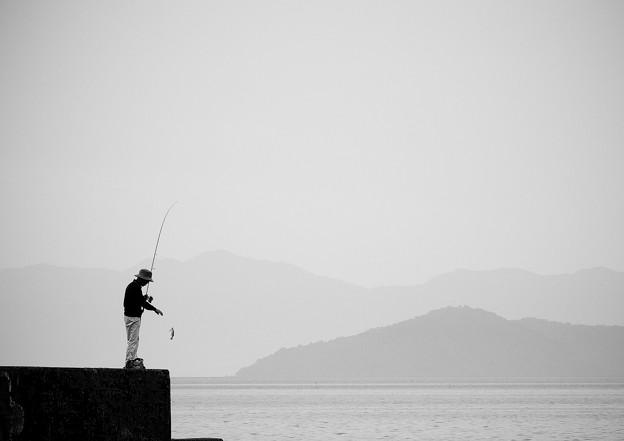 琵琶湖のつりびと