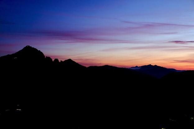 黎明-長野県安曇野市:燕山荘