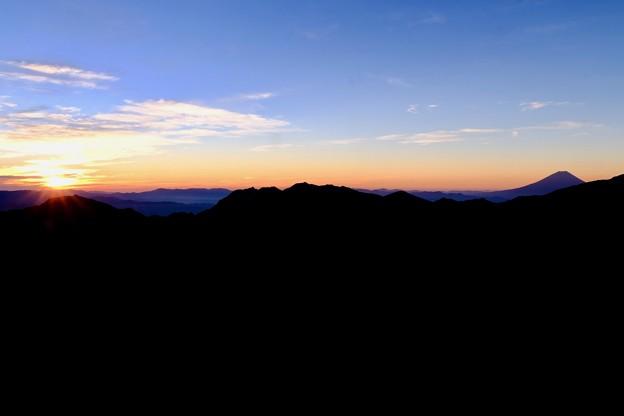黎明の時-長野県伊那市:仙丈ヶ岳
