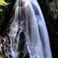 轟音響く滝へ-長野県松本市:乗鞍高原・番所大滝