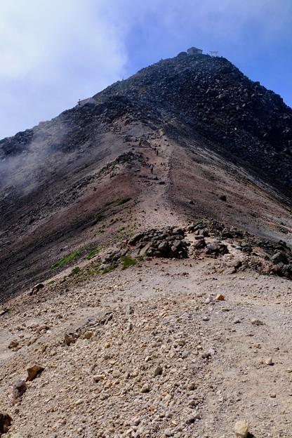 山頂まであと少し-長野県松本市:乗鞍岳