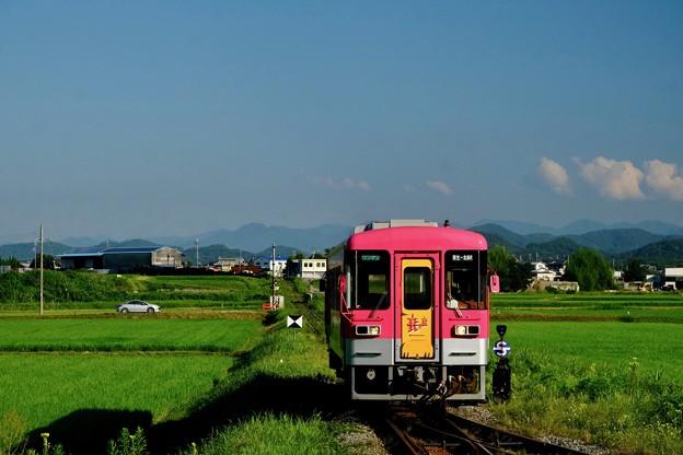 夏空と気動車-兵庫県加西市:北条鉄道 法華口駅