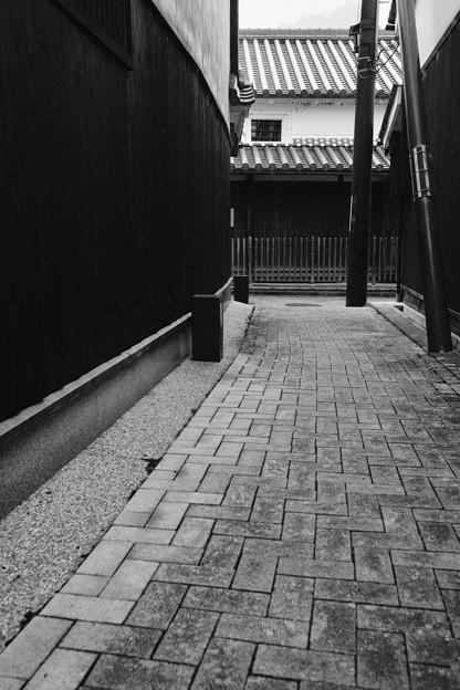 モノクロが似合う町-奈良県五條市:五條新町