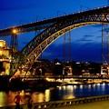 ライトアップされたドン・ルイス一世橋-Porto, Portugal