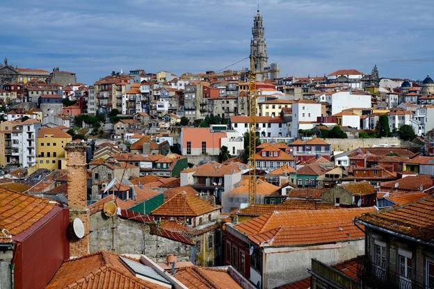 高い尖塔-Porto, Portugal