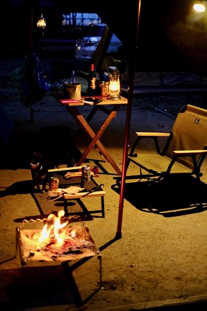 夜のテントサイト-奈良県天川村:松林オートキャンプ場