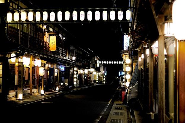 夜の温泉街-奈良県天川村:洞川温泉