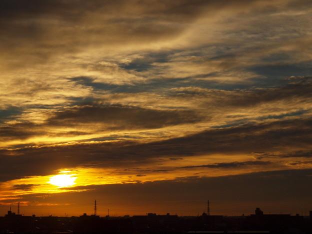 雲と日の出