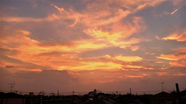 雨天の間の夕日