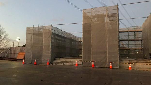 桃花台線 桃花台東駅解体撤去工事(2021年3月2日):残った柱の撤去開始 - 3