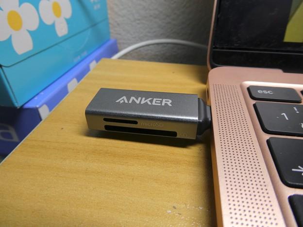 Anker USB-C 2-in-1 Card Reader - 9:Macbook Air接続時