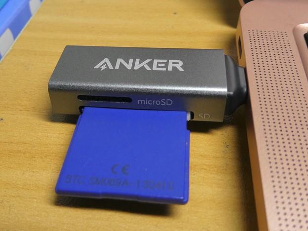 Anker USB-C 2-in-1 Card Reader - 12:SDカード&Macbook Air接続時