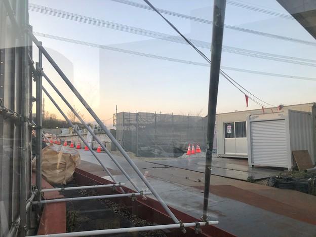 解体撤去工事中の旧・桃花台線桃花台東駅(2021年3月22日) - 1