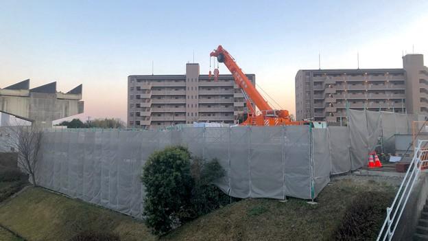 解体撤去工事中の旧・桃花台線桃花台東駅(2021年3月22日) - 6