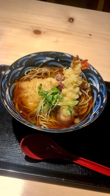 とんとろ春日井店の季節限定「海老・鶏 梅おろし蕎麦」 - 1
