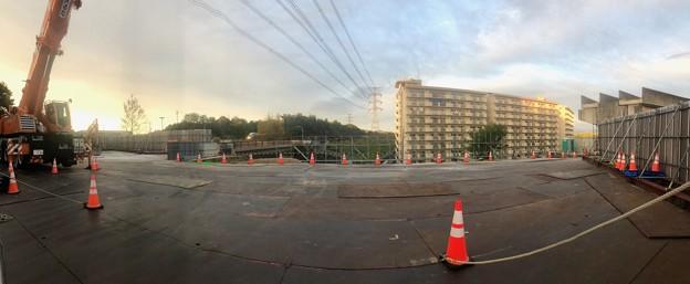 解体工事中の旧・桃花台線桃花台東駅(2021年4月14日撮影) - 1