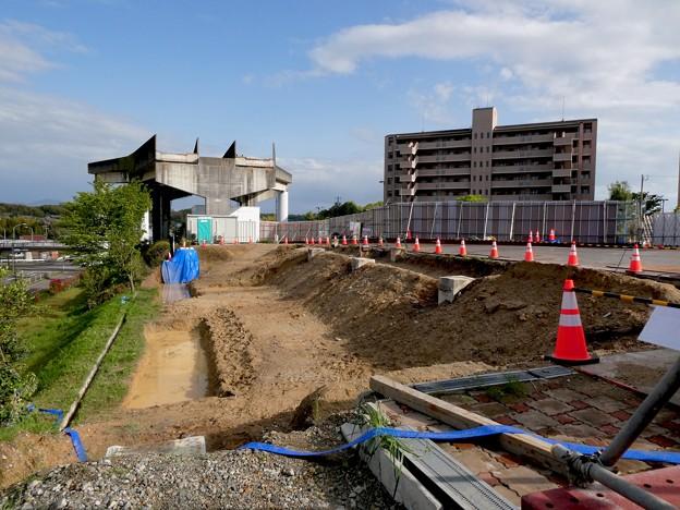 解体工事中の旧・桃花台東駅(2021年4月18日) - 5