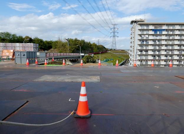 解体工事中の旧・桃花台東駅(2021年4月18日) - 10
