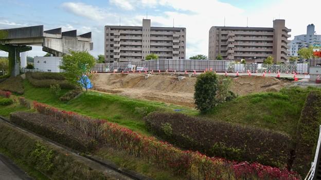 解体工事中の旧・桃花台東駅(2021年4月18日) - 1