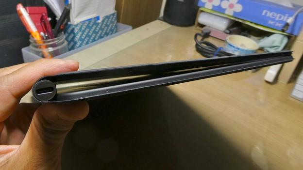 iPad用Magic Keyboard - 8:閉じたところ(iPadなし)
