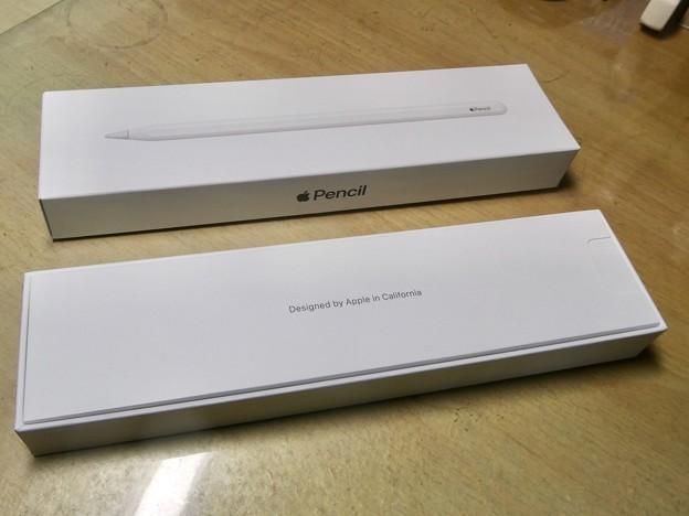 Apple Pencil(第2世代) - 2:箱を開けたところ