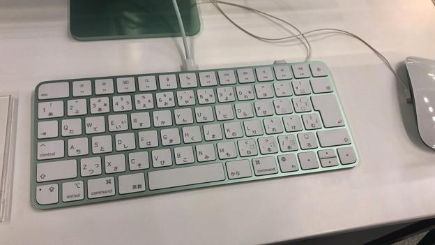 M1搭載iMacのグリーンモデル - 4:キーボード(Touch IDなし)