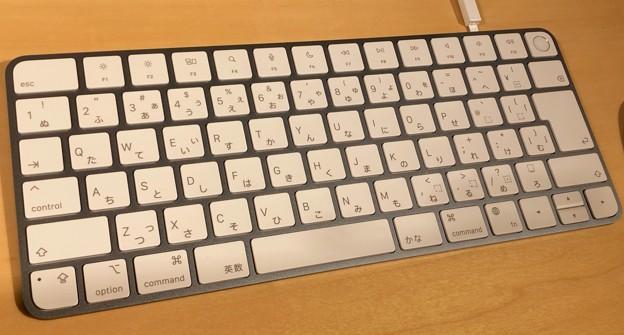 M1搭載iMacのブルーモデル - 4:キーボード(Touch IDあり)
