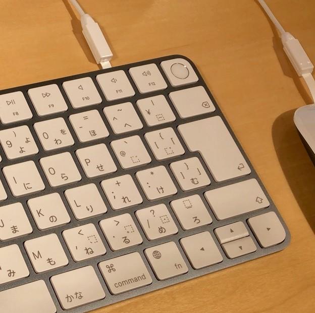 M1搭載iMacのブルーモデル - 5:キーボード(Touch IDあり)